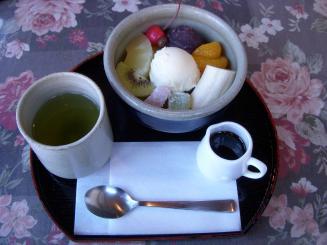 喫茶 城山(クリームあんみつ(バニラ)¥480)
