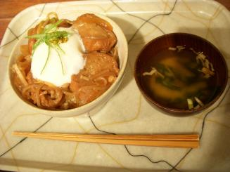 Kanbutsu Cafe(麩レカツ丼¥750)