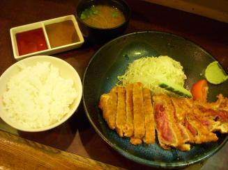 牛かつ おか田(③牛ロースランチかつセット¥1200)