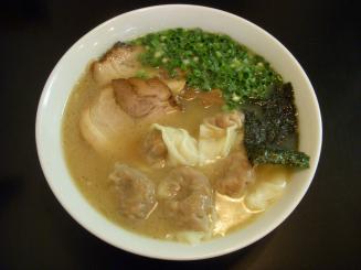 らーめん茂木(雲呑麺¥840)