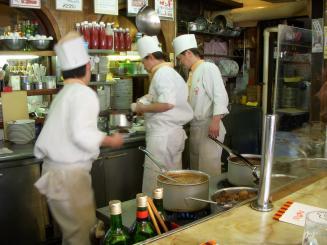 洋食屋ヨシカミ(店内)