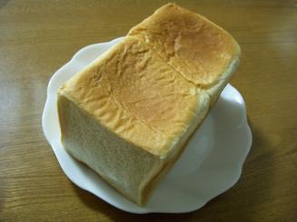 パンのペリカン(食パン(1斤)¥290)
