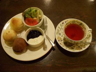 CHRISTIE(スコーン・セット(プレーン・クルミ・チョコ+¥40)¥880)