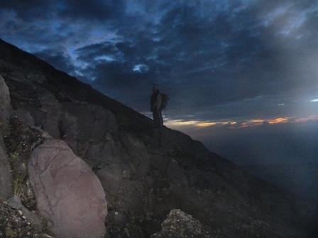 山頂直下日の出