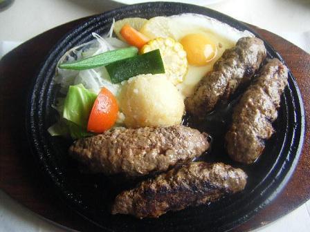 牛肉の100%ハンバーグ