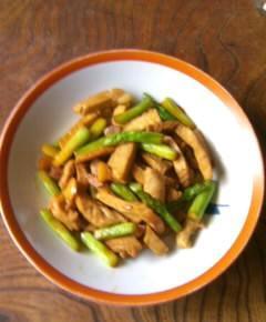 豚肉とアスパラガスの炒め物9