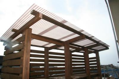 薪棚屋根完成
