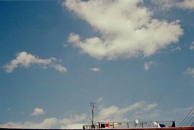 秋の空とセンタクモノ