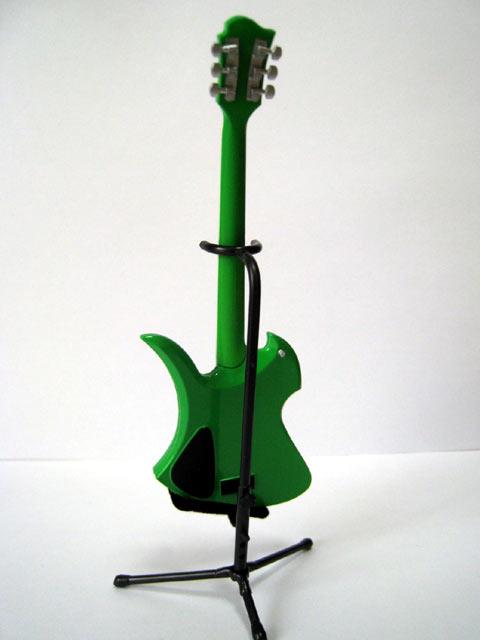 hide_guitar-03.jpg