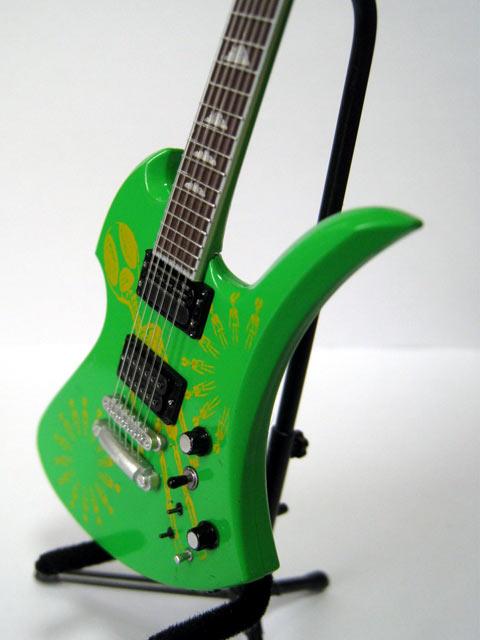 hide_guitar-04.jpg