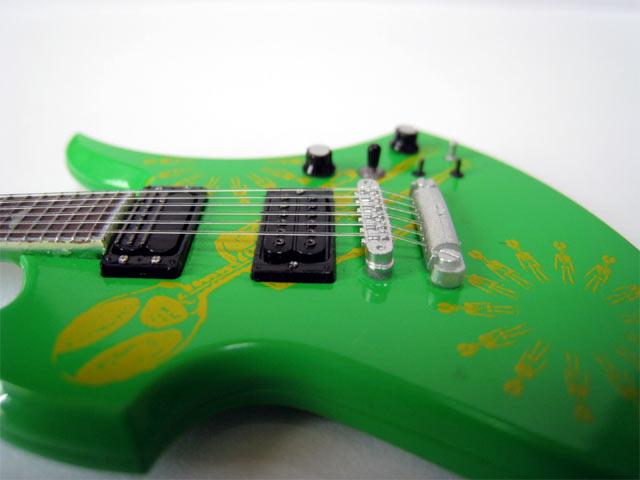 hide_guitar-06.jpg