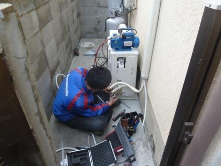 室外機配管接続工事