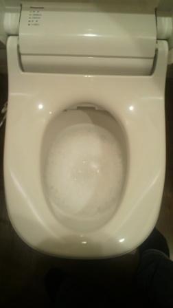 全自動おそうじトイレですのでお手入れラクラク。