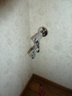 アラウーノ専用止水栓と手洗い分岐金具