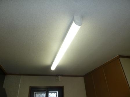 灯具はそのままに今日からLED照明に生まれ変わりました