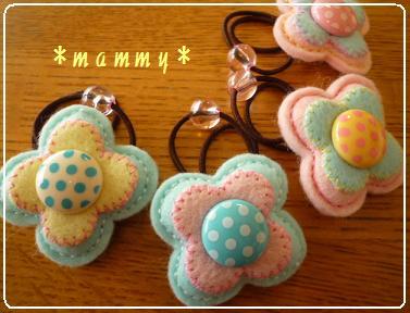 2010.4お花のヘアゴム 04
