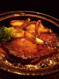 松茸入りの陶板焼き