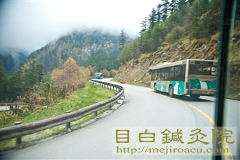 201110月九寨溝バス