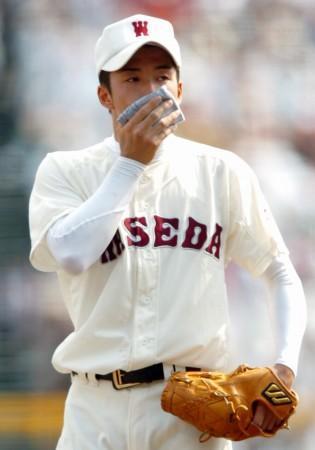 高校野球 斎藤投手の青いハンカチ…株式市場にも波及効果