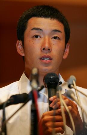 高校野球 早実・斎藤投手、大学進学を表明