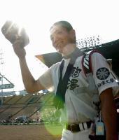 3連覇の夢絶たれた駒大苫小牧・田中は、さわやかな笑顔で甲子園を去る