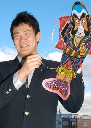 「入団1年目で初勝利を挙げたい」と抱負を語る田中将大投手=苫小牧市内で、芳賀竜也写す