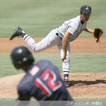 先発した斎藤は8奪三振を奪う力投を見せる