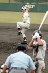 1点差を守りきって完封した斎藤祐樹投手=高砂市野球場