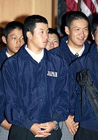 斎藤投手、田中投手 投球練習