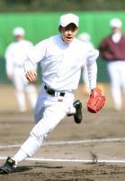 練習に励む早実・斎藤佑樹=東伏見の早大グラウンド
