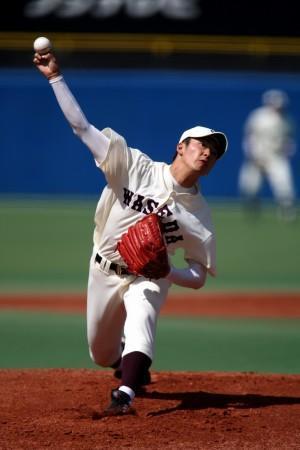 【早大・法大】開幕戦に続く先発のマウンドで力投する斎藤=神宮球場で29日午後2時5分、山本晋撮影