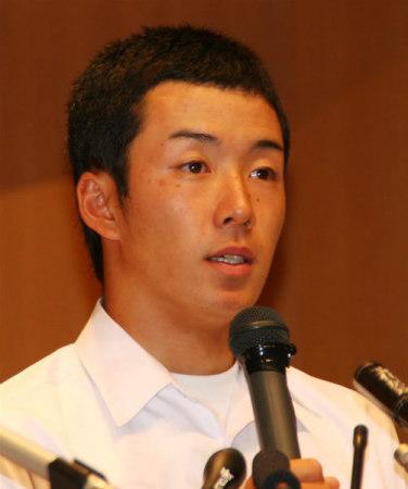 早稲田実高・斎藤投手、進路は大学進学