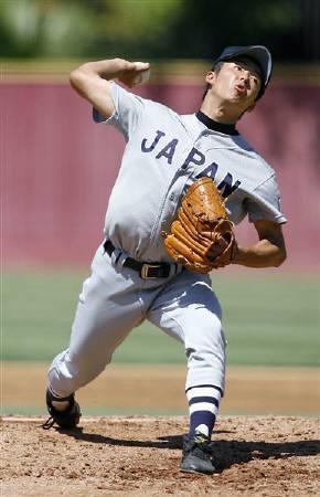 9月4日、日米親善高校野球では早実の斎藤投手が先発して力投(2006年 ロイター/Max Morse)