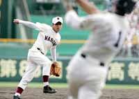 4連投で深紅の優勝旗をつかんだ早実の斎藤佑樹投手。その人気は松坂級だった