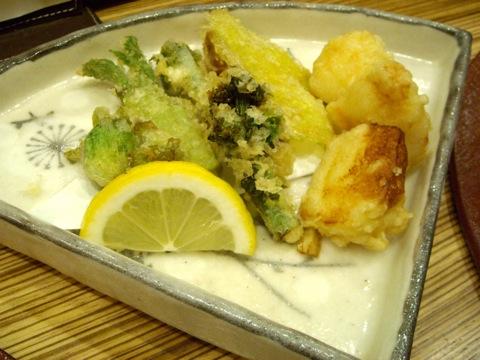 海老しんじょと春野菜の天ぷら