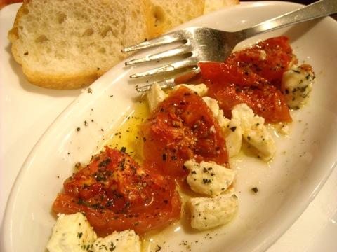 ドライトマトとチーズのマリネ