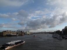 ロンドン橋からのテムズ川