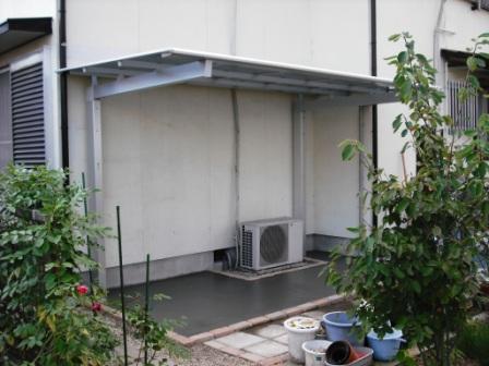裏庭テラス屋根