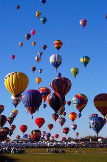 398px-Albuquerque_BalloonFiesta[1]