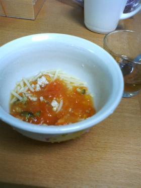 トマトスープパスタ