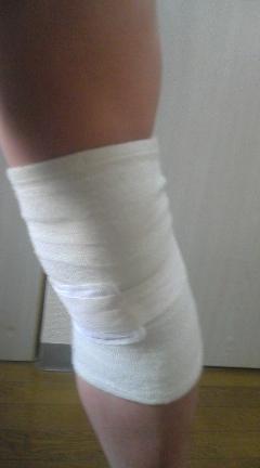 左膝内側靭帯を暖める
