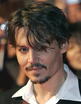 capt.77b78245f21445d2b95337210977afa8.japan_johnny_depp_xkan104[1]