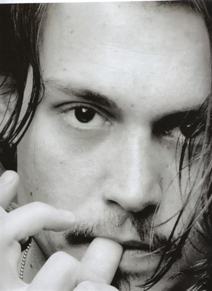 ジョニーのどこが好きですか?私は「瞳」♪吸い込まれそう~~~~(^^)