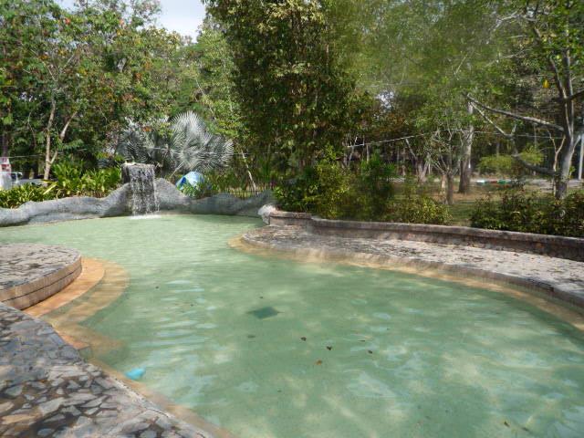 サンカンペーン温泉