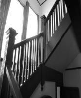 外交官の家・階段(白黒)
