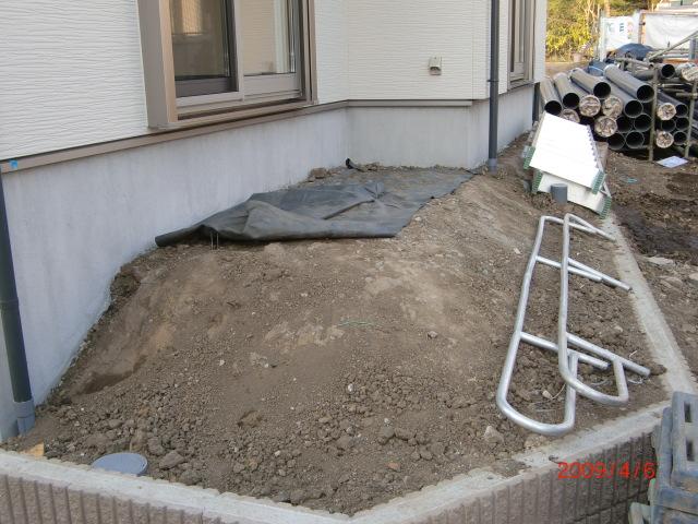090406ウッドデッキ部分土形状