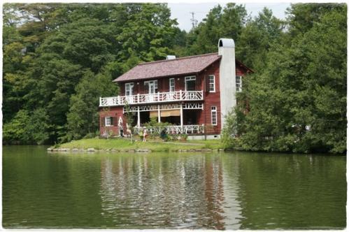 湖畔の別荘です