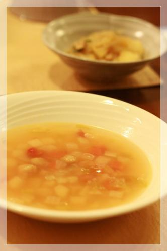 野菜のスープと肉じゃが
