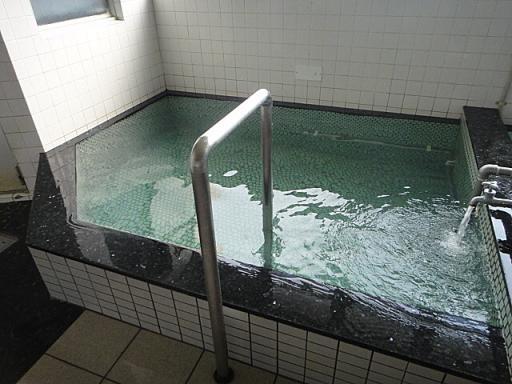 水風呂は温めで心地よい