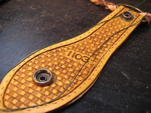 革縫い(糸準備